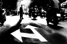 Free Silhouette Of A Pedestrian Crossing Traffic Street Royalty Free Stock Photography - 33367217