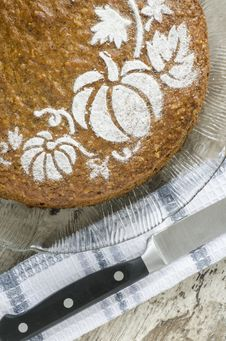 Free Pumpkin Cake On Glass Plate And Knife Royalty Free Stock Photo - 33374895