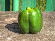Free Green Bell Pepper Stock Photo - 33377030