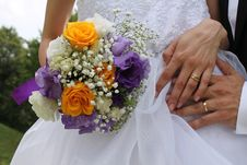 Bridal Bouquet And Gold Wedding Rings Royalty Free Stock Photo
