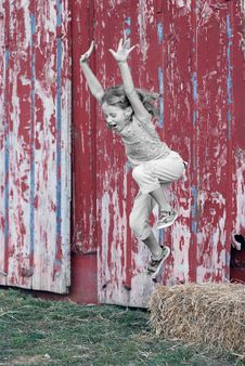 Free Girl Jumping Royalty Free Stock Photos - 3343168