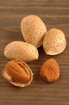 Free Almonds Royalty Free Stock Image - 3349486