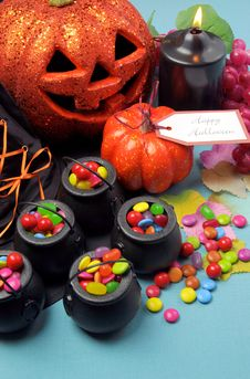 Free Halloween Trick Or Treat Party Table - Vertical. Royalty Free Stock Images - 33402179