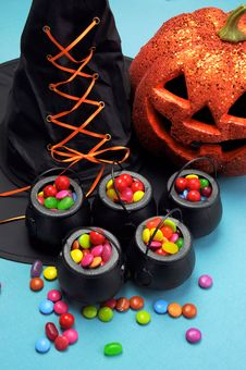 Free Halloween Witch Cauldrons Full Of Candy - Vertical. Royalty Free Stock Images - 33402869