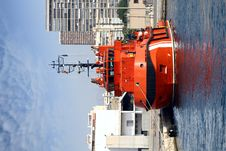 Free Tug Docked Stock Photos - 33418303