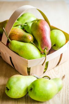 Free Green Pears Stock Images - 33419144