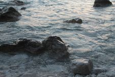 Free Rocks At Sea Royalty Free Stock Photo - 33439815