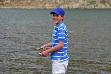 Free Teenage Boy Fishing Royalty Free Stock Image - 33487726