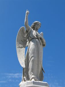 Free Winged Angel Statue Royalty Free Stock Photos - 3358088