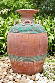 Free Big Jar Royalty Free Stock Photography - 33500297