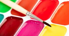 Free Paints And Brush Royalty Free Stock Photo - 33500535
