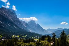 Free Cortina D Ampezzo  Village, Italy Stock Photography - 33511892
