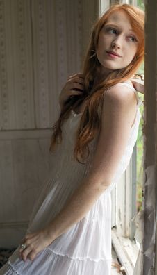 Free Redhead In White Royalty Free Stock Photography - 33512337