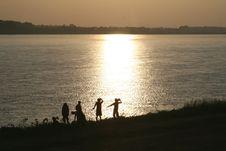 Free Sunset At The Mekong River Between Laos And Thailand Royalty Free Stock Photo - 33513805