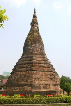 Free Stupa That Dam In Vientiane, Laos Stock Photo - 33514220