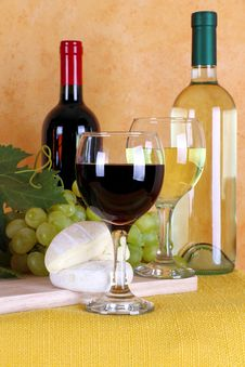 Wine, Cheese And Grapes Stock Photography
