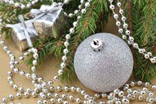 Free Christmas Decorations Stock Photo - 33567530