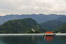 Free Colorful Boat On Lake Bled. Slovenia Royalty Free Stock Images - 33578879