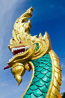 Free Statue Of King Of Nagas Symbol Image Royalty Free Stock Image - 33591166