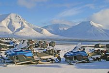 Free Snow Mobiles In Arctic Environ Royalty Free Stock Image - 3361736