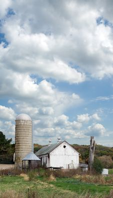 Farm Under Cloudy Sky Royalty Free Stock Images