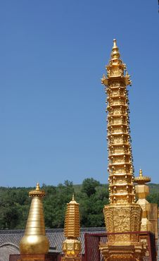 Free Tower Of Buddhism Royalty Free Stock Image - 3367206