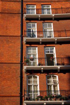 Free London Victorian Apartments Royalty Free Stock Photo - 3368875