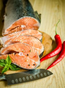 Free Fresh Salmon Steaks Royalty Free Stock Images - 33602899