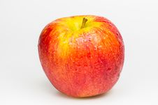 Free Red Apple With Drops Of Water. Stock Photography - 33603852