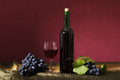 Free Grapes And Wine Royalty Free Stock Photo - 33619025