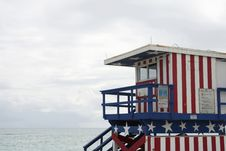 Free Lifeguard Station, Miami Beach Royalty Free Stock Image - 33647326