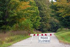 Free Road Closed Royalty Free Stock Photography - 33654357