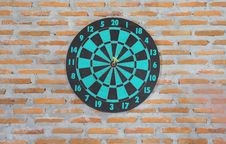Free Darts On Wall Royalty Free Stock Image - 33655396