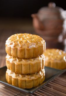 Free Mooncake Stock Photo - 33662080