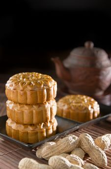 Free Mooncake Royalty Free Stock Photography - 33662107