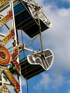 Free Speeding Carnival Ride Royalty Free Stock Photography - 3372227
