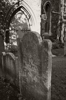 Free Ancient Graveyard Royalty Free Stock Photo - 3373495