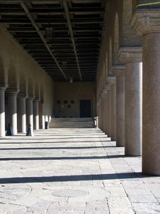 Free Pillars In A Castle 3 Royalty Free Stock Photography - 3376367