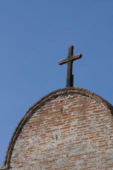 Free Wooden Cross On Building Stock Photography - 3376752