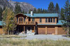 Free Mountain Home Stock Photo - 3379660