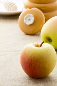 Free Ripe Apples Stock Photos - 33700013