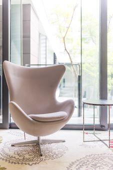 Free White Modern Arm Chair Stock Photos - 33700623