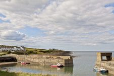 Free Craster Harbour Royalty Free Stock Image - 33712716