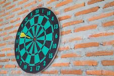 Free Darts On Wall Stock Image - 33716221