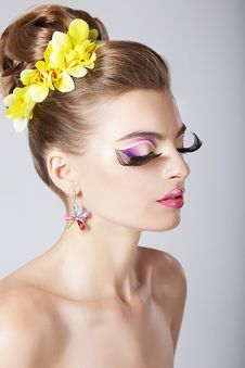 Free Glam. Profile Of Fashionable Woman With Amazing Fantastic Eye Make-up Royalty Free Stock Image - 33742536
