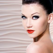 Free Young Beautiful Woman With Red Lips Royalty Free Stock Photo - 33750195