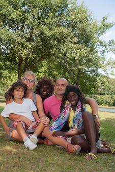 Free Happy Multi Family Royalty Free Stock Photos - 33751718