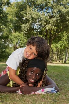 Free Nice Little Boy And His Black Sister Royalty Free Stock Image - 33751836