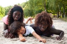 Free Smiling Ethnic Children On The Beach Stock Images - 33751884