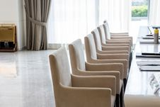 Free Leather Chairs  In A Bright Meeting Room Stock Photography - 33752312